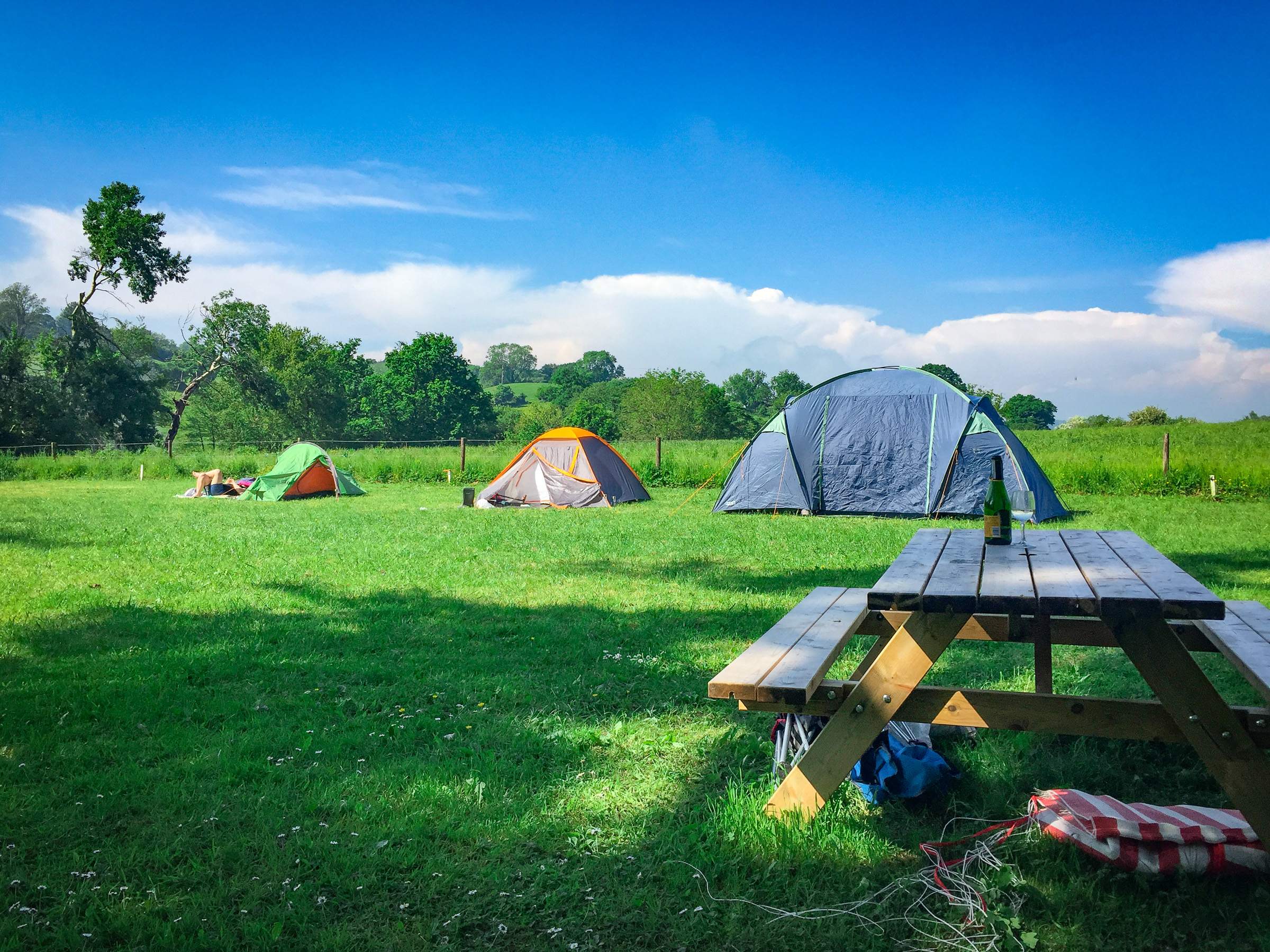 Painswick Glamping – Campers relaxing