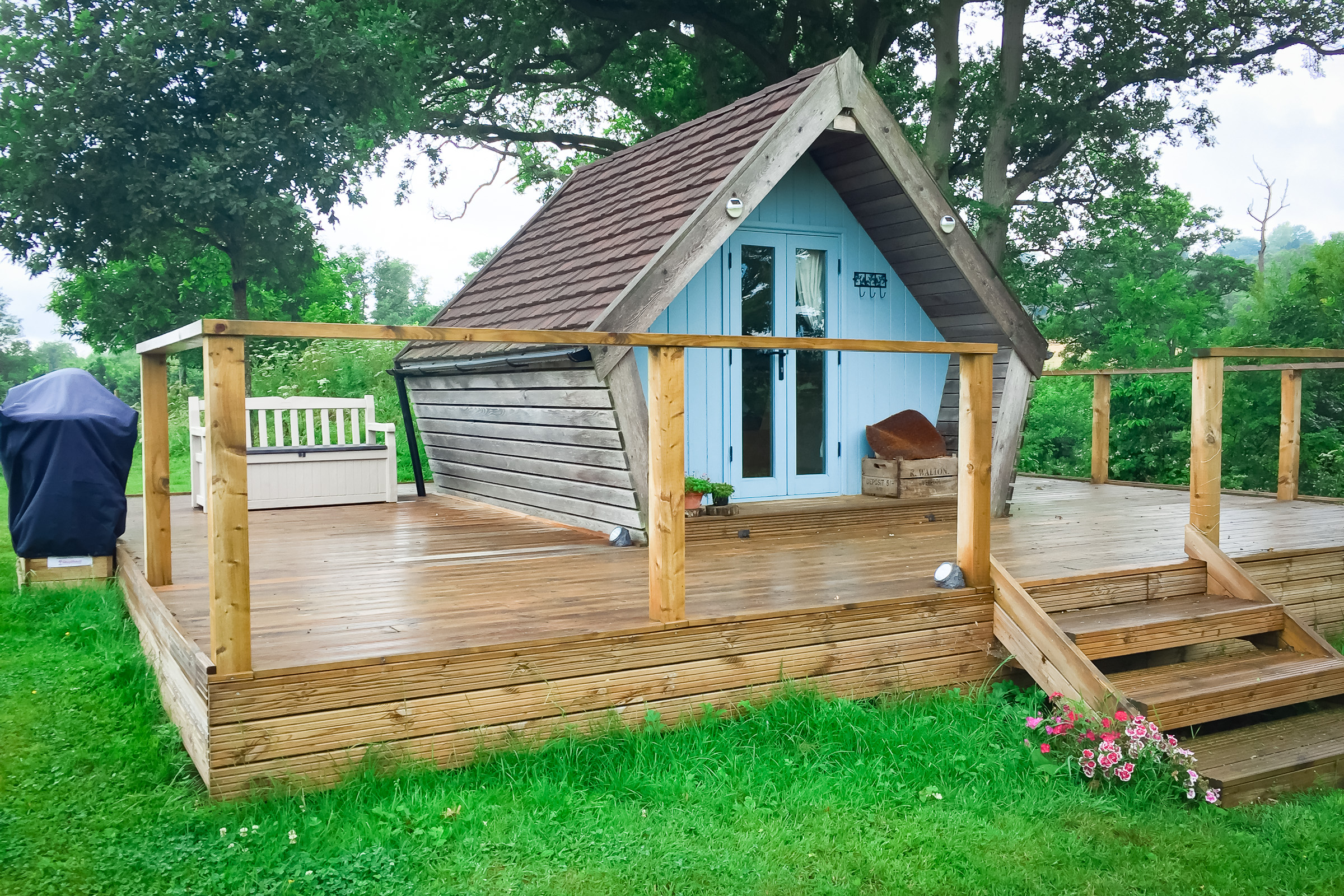 Painswick Glamping – Mill Pool Pod
