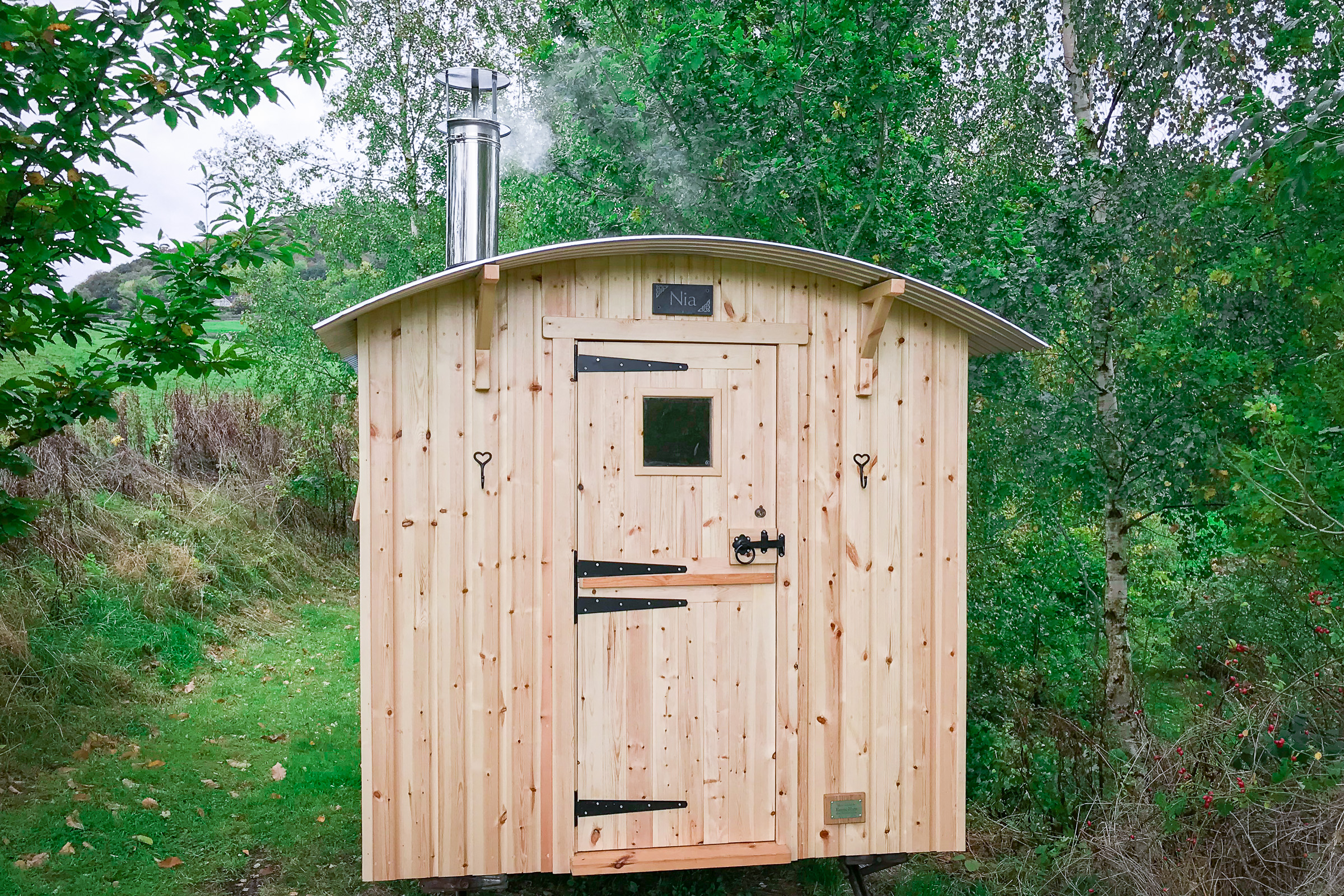 Painswick Glamping – Shepherd Hut entry