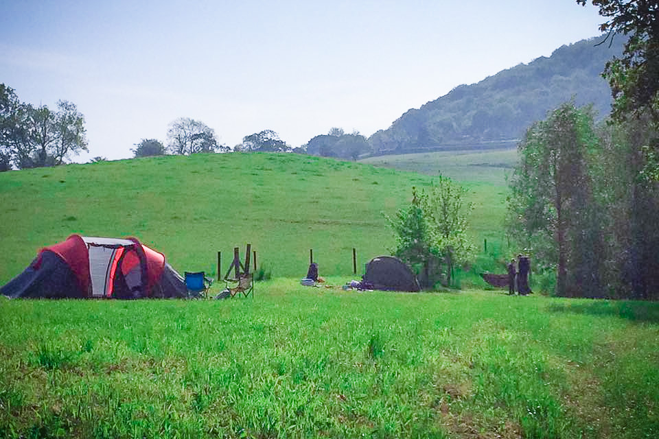 Painswick Glamping – Tent sites and rolling hills